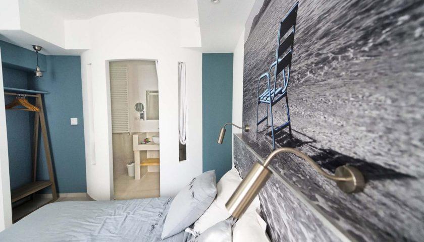 Tête de lit dans chambre d'appartement cannois - Villa Marceau Cannes