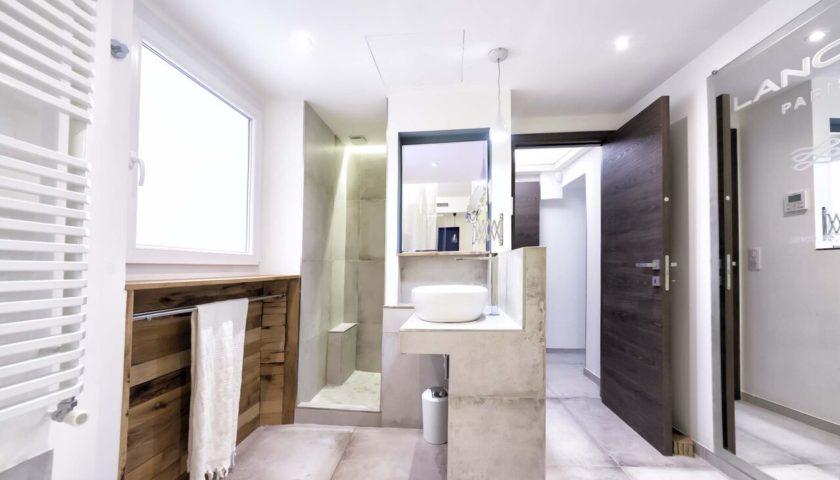 Salle de bain design dans appartement à Cannes - Villa Marceau
